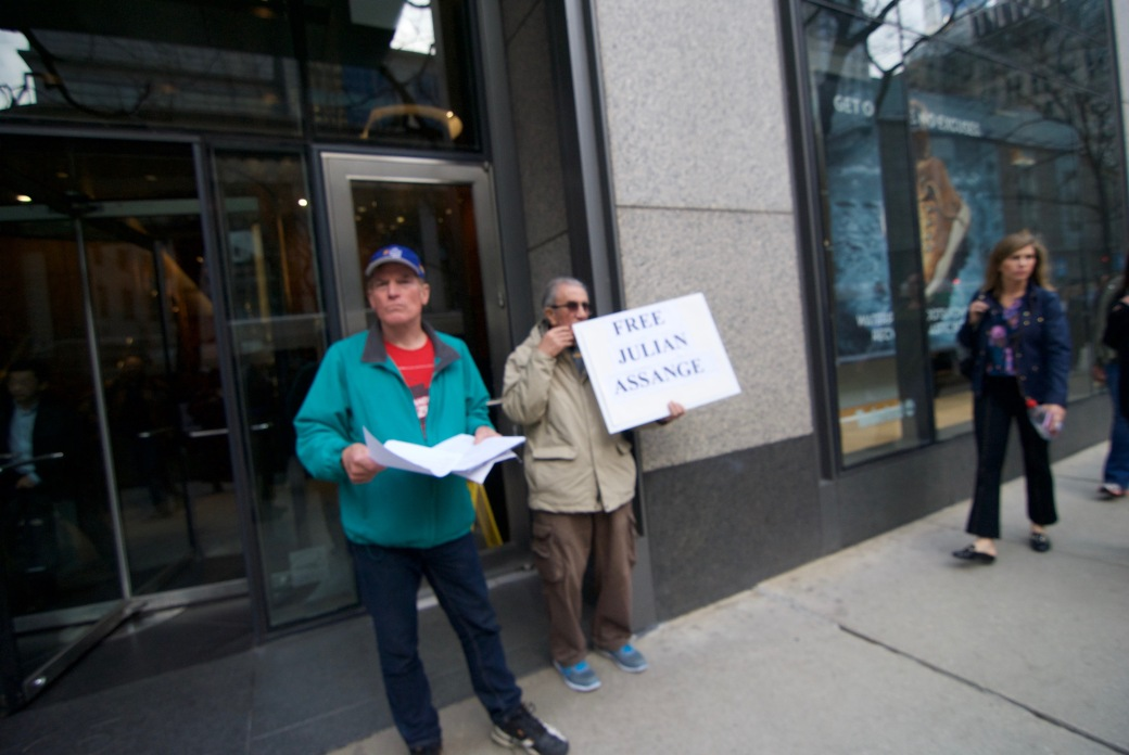 4.16.19. Assange Protest.5